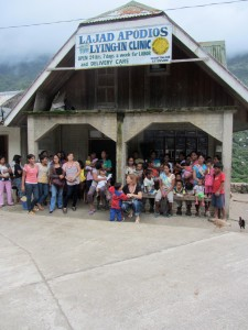 Group outside of the Kalinga clinic